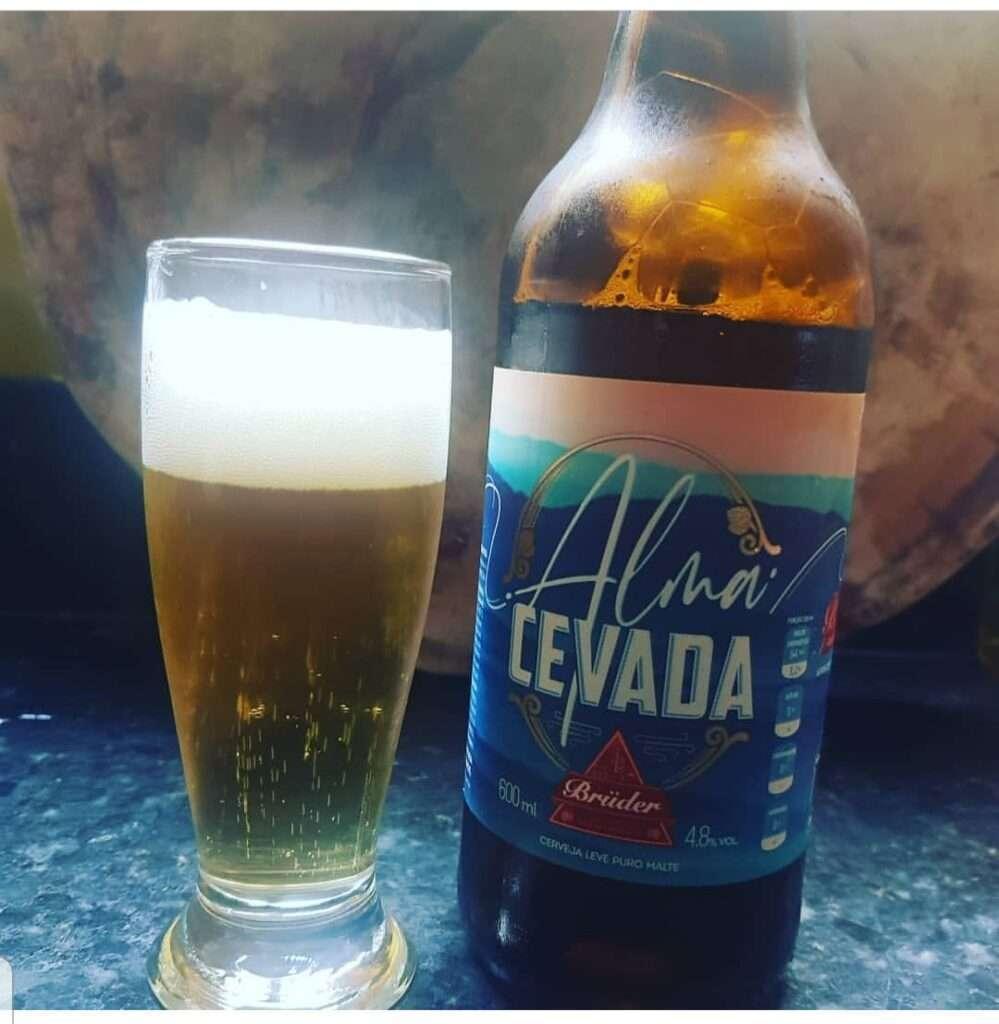 Outra cerveja de baixa caloria da Brüder, Alma Cevada tem sabor mais marcante