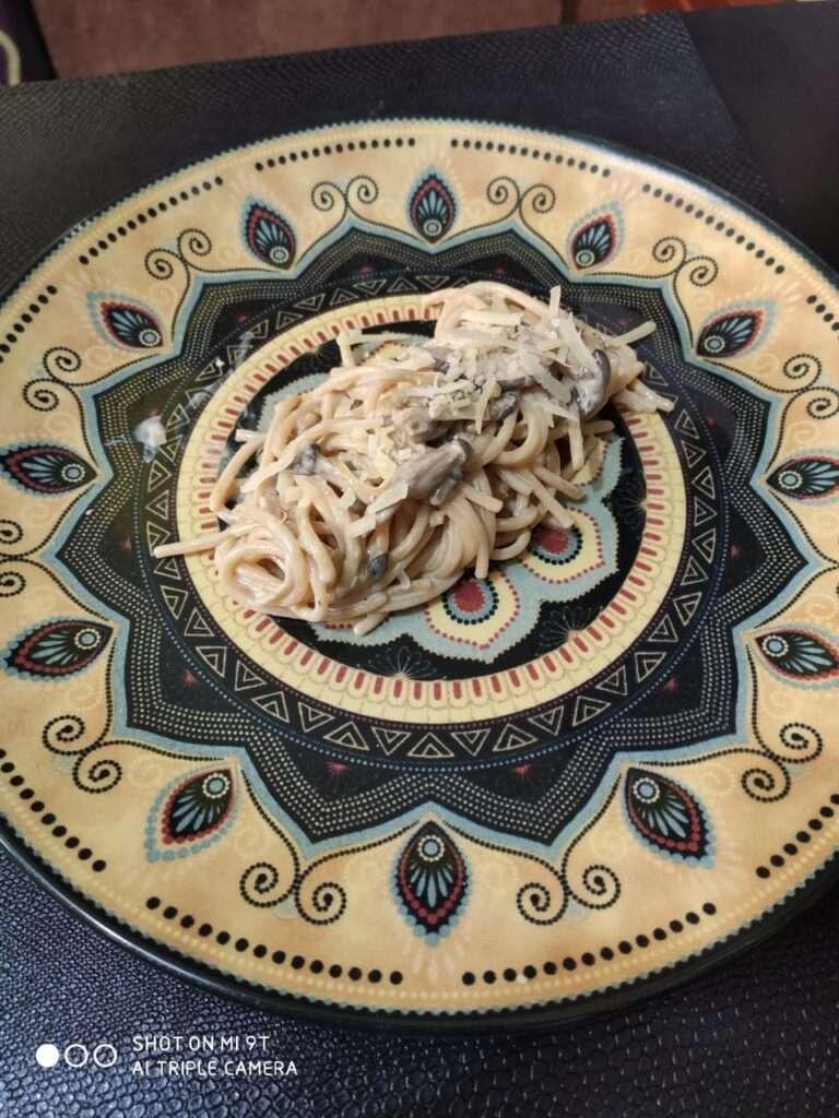 Massa ao molho de cogumelos para harmonizar com cervejas mineiras