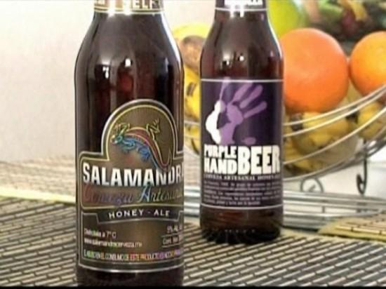 Salamandra e Purple Hand Beer são produzidas no México, pela cervejaria Minerva, especialmente para o público LGBT