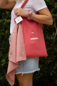 Kit Outubro rosa Dádiva para ajudar mulheres em tratamento do câncer de mama.