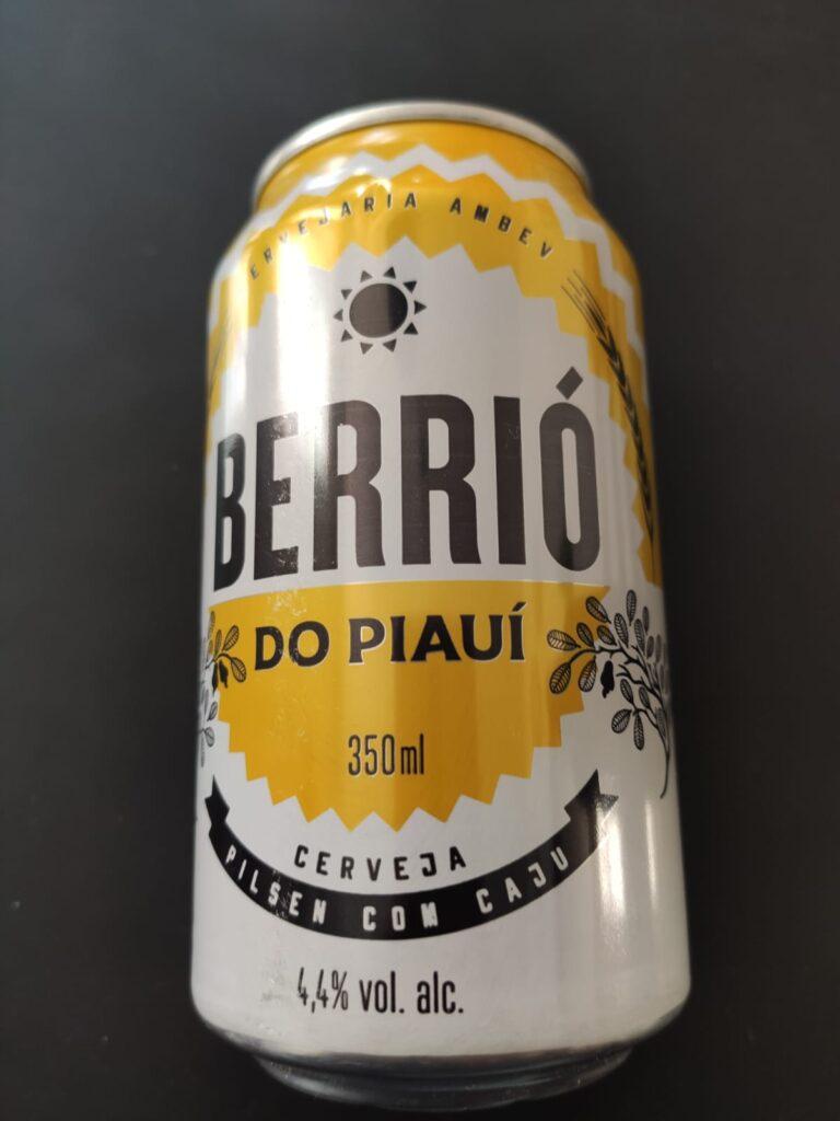 Caju é um dos ingredientes regionais presente na cerveja Berrió, do Piauí